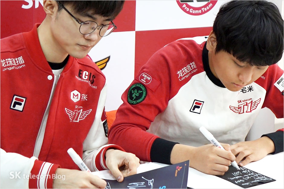 161129-t1-signevent_22
